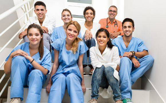What is important to know about internships and summer practices in Polish hospitals